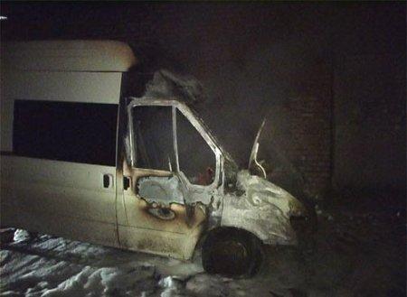 Маршрутка сгорела в Новосибирске, пострадавших нет + видео