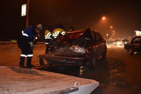 Три автомобиля столкнулись на Каменской магистрали 1 человек пострадал