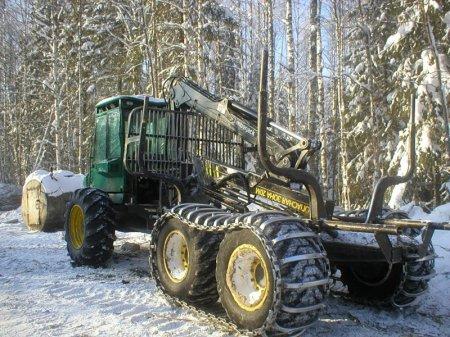 Лесхозы Новосибирской области получили 56 единиц пожарной техники