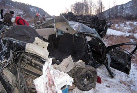 На Алтае в лобовом ДТП погибло пятеро сотрудников местной администрации