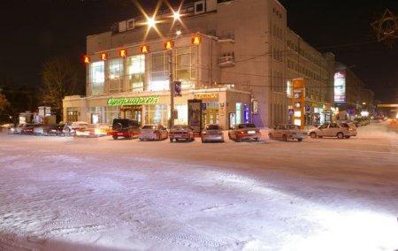 На площади Ленина закрылся «Супермаркет»