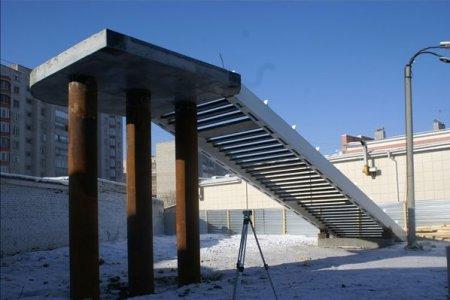 На трассе М52 возвели первые опоры нового моста