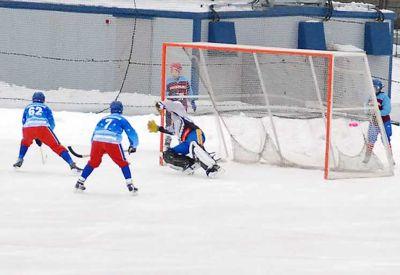 Хоккей с мячом: «Сибсельмаш» проиграл «Зоркому» с разгромным счетом