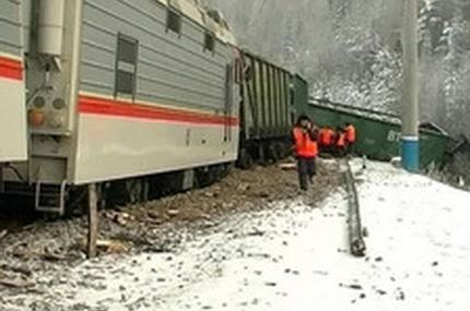Из-за ЧП на Дальневосточной железной дороге четыре пассажирских поезда придут с опозданием