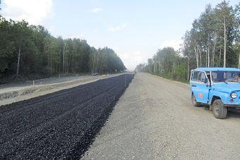 Строительство дороги в Камень-на-Оби ведется в круглогодичном режиме