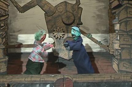 Новосибирцам показали французских марионеток