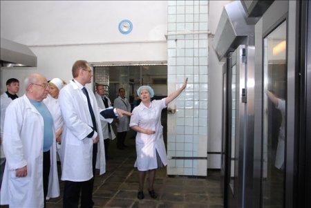 Губернатор Василий Юрченко посетил хлебокомбинат «Инской»