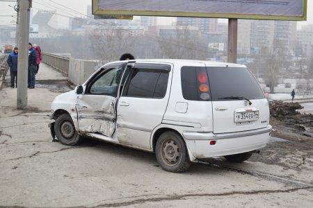 Две «Тойоты» столкнулись на ул. Кирова