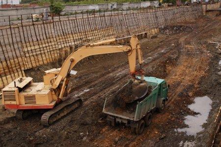 Заключена основная часть контрактов на территориальные объекты дорожного комплекса на 2012 год
