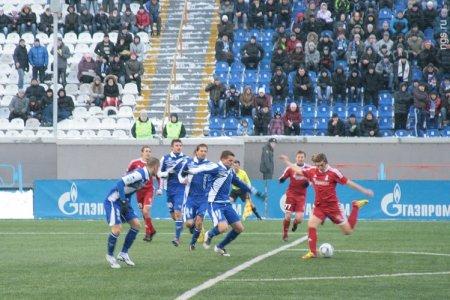 Футбол: «Сибирь» победила в домашнем матче в условиях снегопада