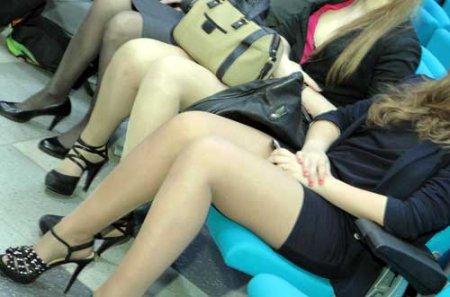 что у русских девушек под юбкой фото