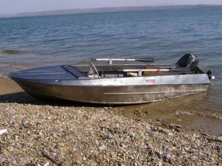 Владельцу моторных лодок запретили перевозки по Оби
