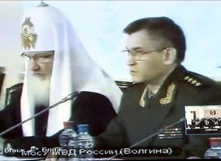 Министр МВД России Рашид Нургалиев решил заняться нравственным воспитанием полицейских