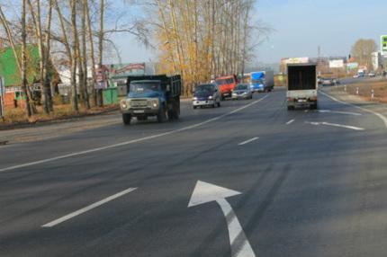 На городских магистралях появляется новая дорожная разметка