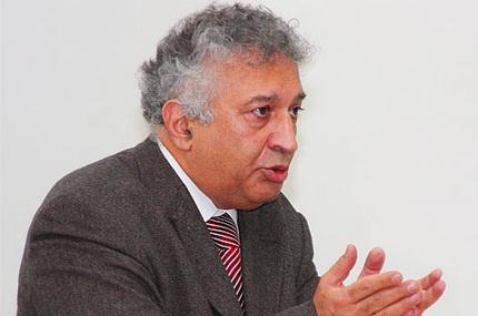 Скончался известный экономист Рифат Гусейнов