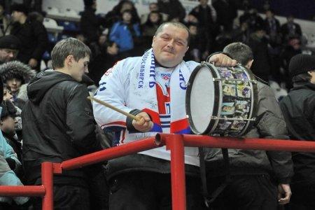 Хоккейная «Сибирь» продлила контракт с Ворошило и Малышевым