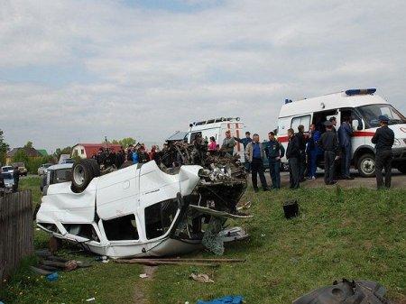 На въезде в Пашино разбилась маршрутка: 12 человек в больнице