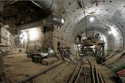 со строительством метро