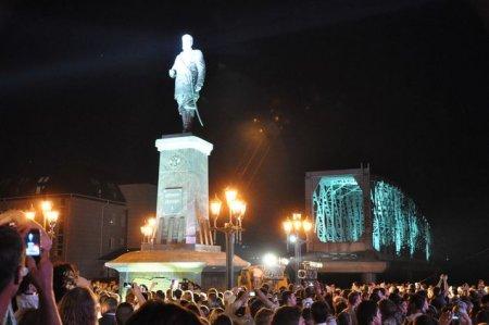 Этой ночью в Новосибирске открыли памятник Александру III