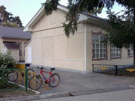 «Экспресс-пригород» открыл первую велопарковку на станции