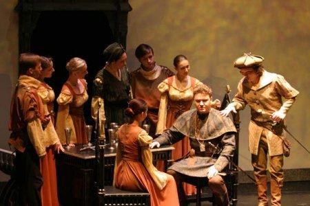Новосибирцы раскупили все билеты на премьеру оперы «Фауст»