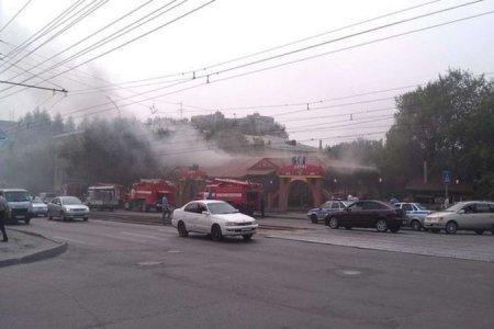 В Новосибирске горело кафе «Карат»