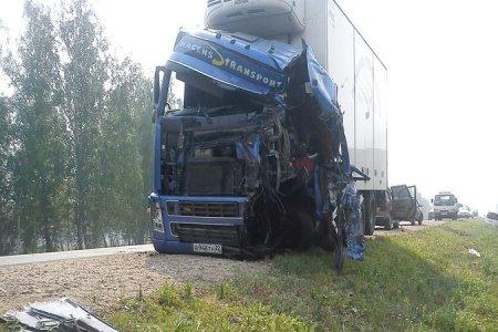 Барнаульский дальнобойщик погиб в ДТП под Новосибирском