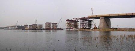 Строители третьего моста вывели основание арки в русло Оби