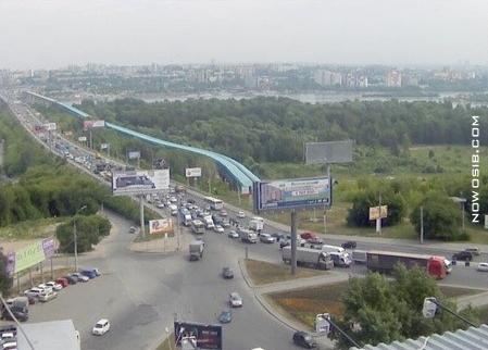 В Новосибирске вводится запрет на движение грузового транспорта