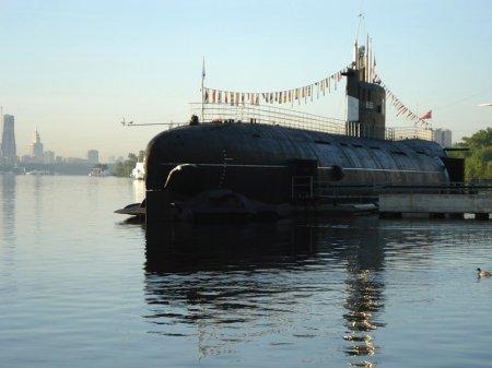 Подводная лодка - музей скоро появится на набережной в Новосибирске
