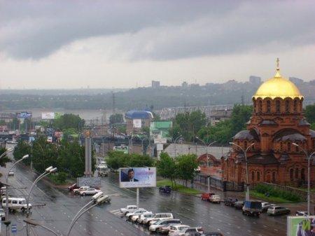 Холодный фронт и дожди наступают на Новосибирск