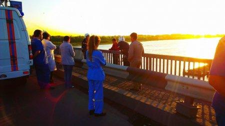 Суицидник чуть не спрыгнул с Димитровского моста в Новосибирске
