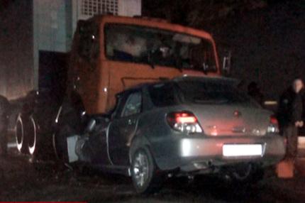 На ул. Краузе «Субару» сошелся, лоб в лоб с «КАМАЗом», девушка - водитель погибла