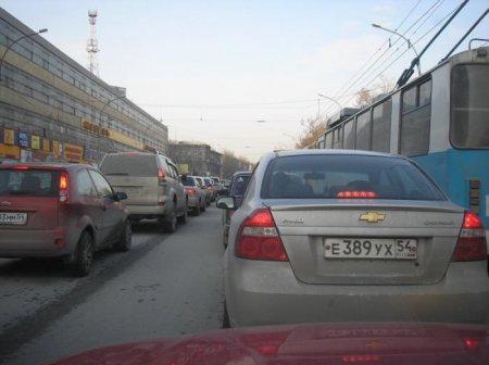 1 сентября в Новосибирске отметилось транспортным коллапсом на дорогах города