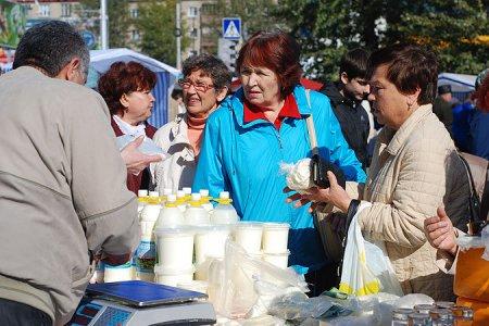 Осенние ярмарки разварачивают торговлю в Новосибирске