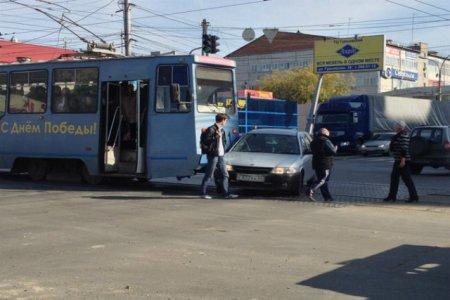 Новосибирский трамвай №13 протаранил четвёртую за месяц машину