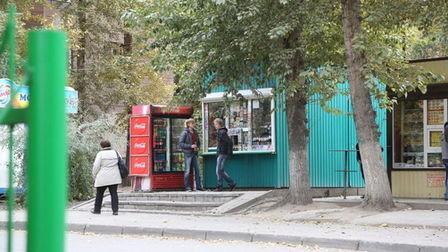 Снос киосков незаконно торгующих пивом, начался в Новосибирске