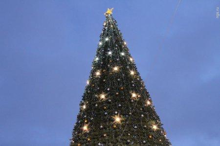 Открылась главная елка Новосибирска