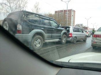На Бердском шоссе произошло ДТП с участием пять автомобилей