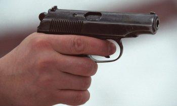 В парня, вступившегося за девушек, выстрелили из травматического пистолета