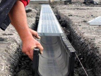 В промзоне Ленинского района Новосибирска ведется строительство ливневой канализации