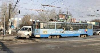 В Новосибирске произошло очередное ДТП с участием трамвая №13