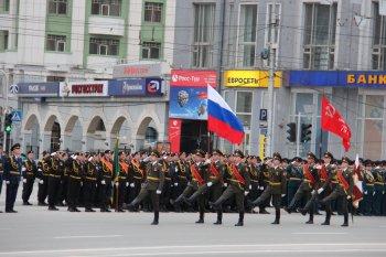 В центре Новосибирска состоялся парад Победы