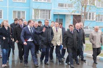 Сергей Меняйло посетил новосибирский микрорайон «Чистая слобода»