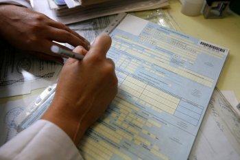 17-летняя жительница Новосибирска за деньги подделывала больничные листы