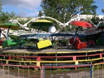 В одном из парков отдыха Новосибирска посетительница упала с карусели